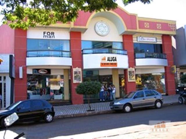Aluga-se salão comercial com 02 pisos com total de 800,00 m² de área construída e terreno