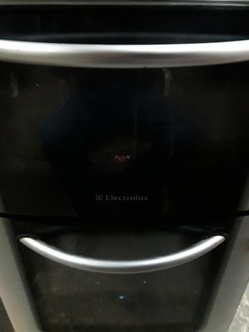 Fogão electrolux 4 bocas e 2 fornos - Foto 2
