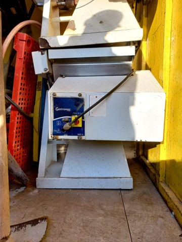 Masseira e  freezer  vertical  - Foto 3
