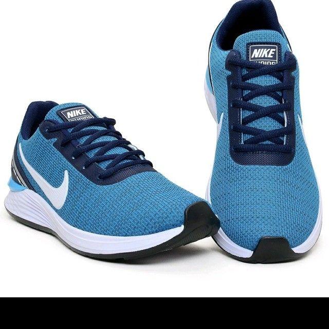 Tênis Nike evolution