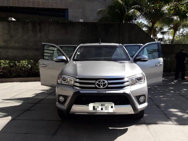Toyota Hilux 2.8 SRX 2017 - Entrada + parcelas de R$2.499,00 - Foto 5
