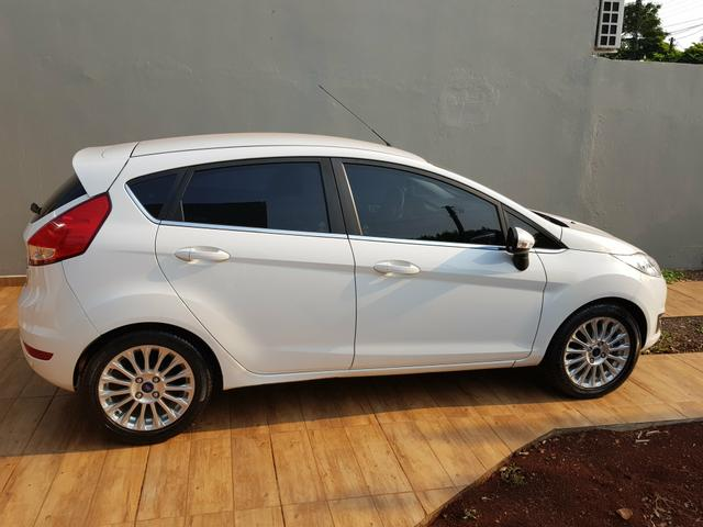 Vendo new fiesta shiftpower titanium 2015/2015