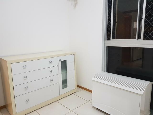 Alugo quarto mobiliado p mulher e - Foto 4