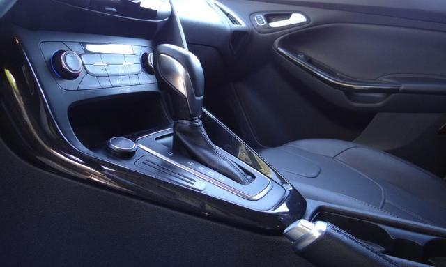 Ford Focus Titanium C/ Teto Solar 2.0. Branco 2016/17 - Foto 11