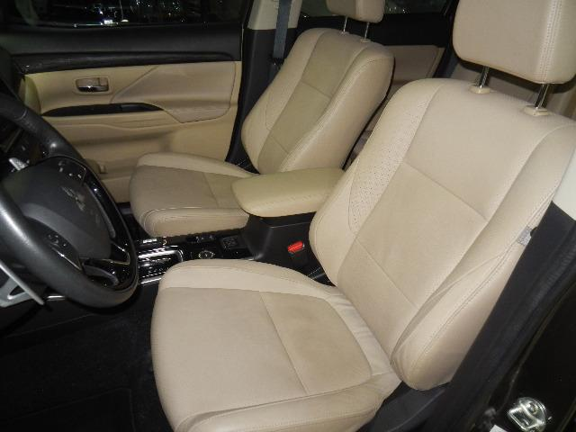 Mitsubishi Outlander 2.2 Diesel Top de linha 7 Lugares Couro Bege Xenon Teto - Foto 14