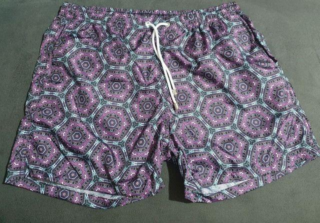 Shorts moda praia estampado roxo - Foto 2