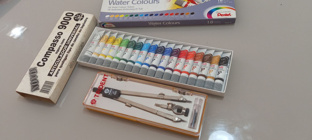 Tinta aquarela pentel 18 cores + compasso trident 9000  - Foto 2