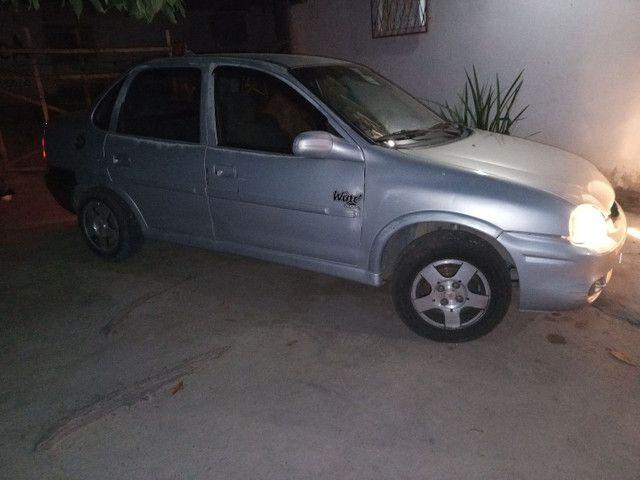 VENDO UM CORSA 2000/2001