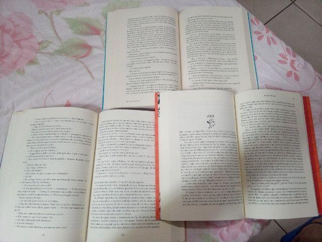 Kit 5 Livros: Par Perfeito, Um Dia, Feito para você, Três Vezes Nós e Sing - Usados - Foto 2