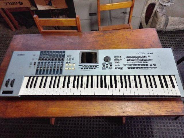 Yamaha Motif XS7 - Foto 2