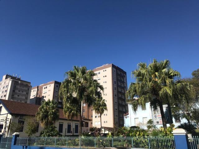 Lindo apartamento de 3 quartos na Av. Roberto Silveira