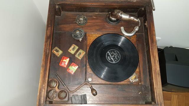 Vitrola Grafonola RCA Victor à Manivela - Foto 3