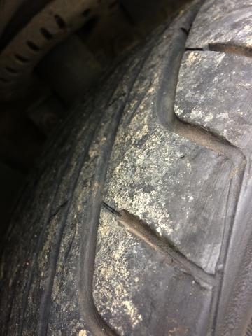 Vendo pneu 205 40 r17 - Foto 6