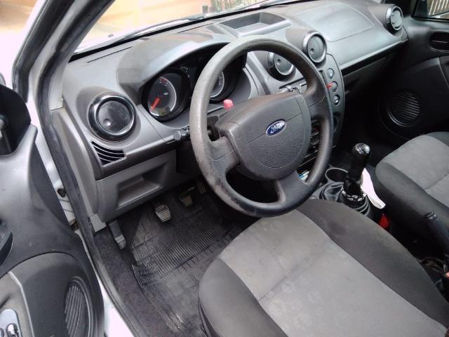 Vendo Ford Fiesta Rocam 1.0 - Foto 4