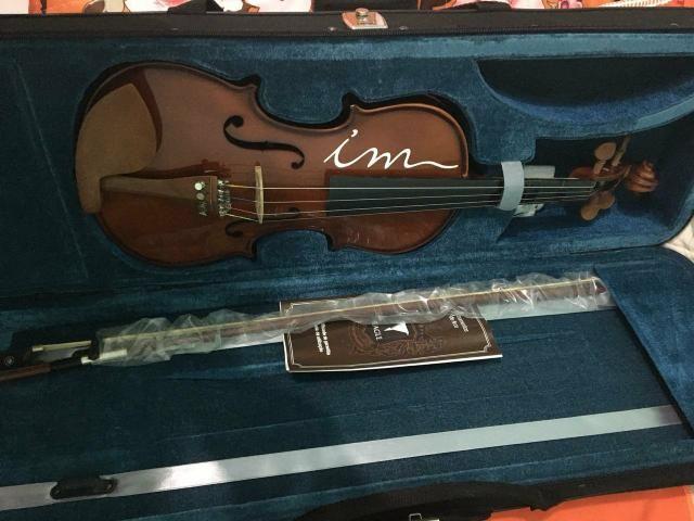 Violino , marca Eagle , modelo 4/4