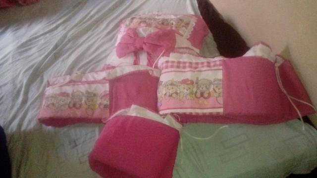 Roupas de bebê+protetor de berço