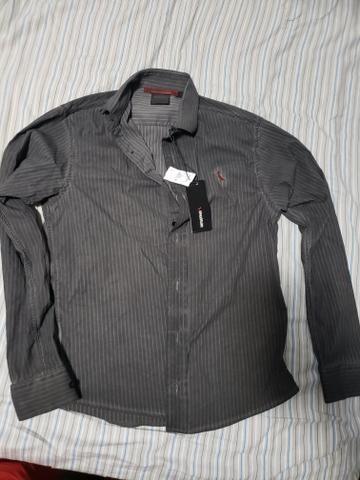 849ed4c3f6 Camisa social de botão Reserva tamanho P (tecido Peruano