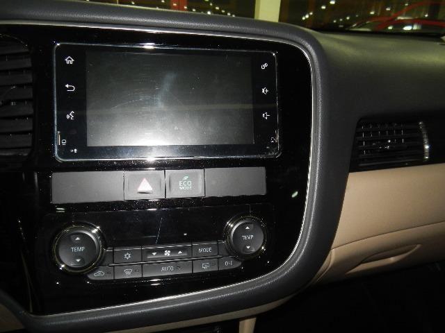 Mitsubishi Outlander 2.2 Diesel Top de linha 7 Lugares Couro Bege Xenon Teto - Foto 13