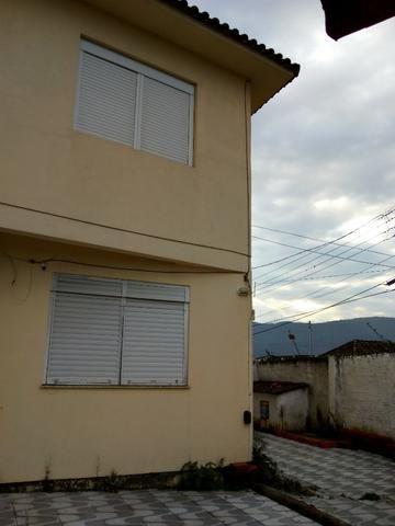 Vendo sobrado 04 dor. + Casa 03 dor - Foto 2