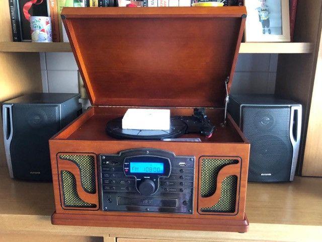 Vitrola retrô leitura vinil, pen drive, SD, CD e radio Am e FM - Foto 2