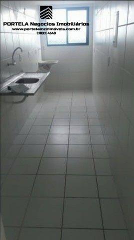 Apto na Serraria, 2 quartos, suíte, móveis fixos na cozinha, elevador. - Foto 9