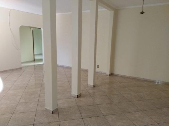 Casa residencial com 3 quartos, no Centro da cidade - Foto 3