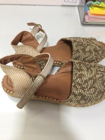 Lote com 2 sapatos - Foto 3