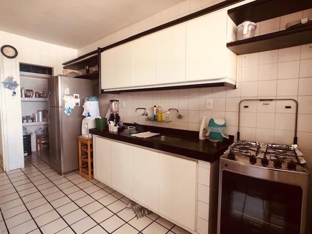 Apartamento Beira-mar 4 quartos, 2 suítes e 3 vagas, super conservado - Foto 15