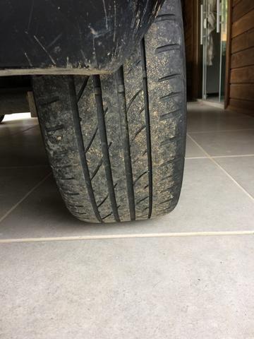 Vendo pneu 205 40 r17 - Foto 2