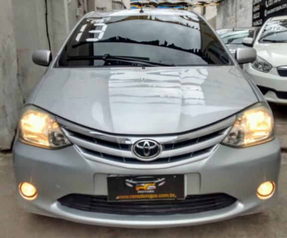 Toyota étios 27900 entrada 8mil parcelas de 469 entrada de 5mil parcelas de 698