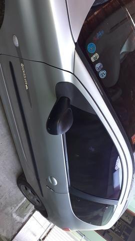 Vendo Peugeot 206 R$9.500 parcelo no cartão - Foto 2