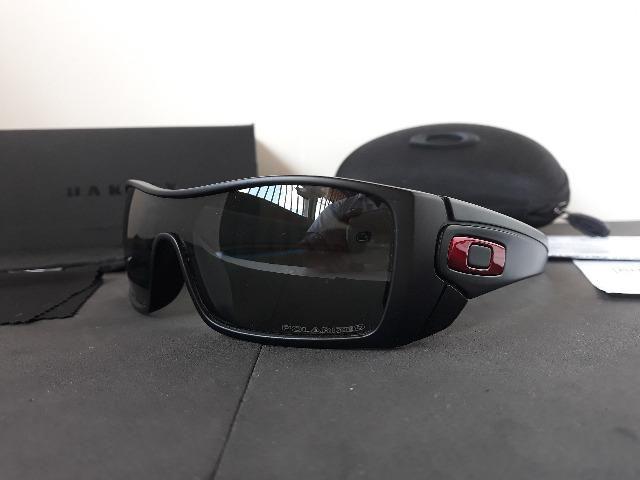 c2e2a33f79654 Óculos Oakley Batwolf Preto Polido Vermelho Iridium Polarizado - Importado