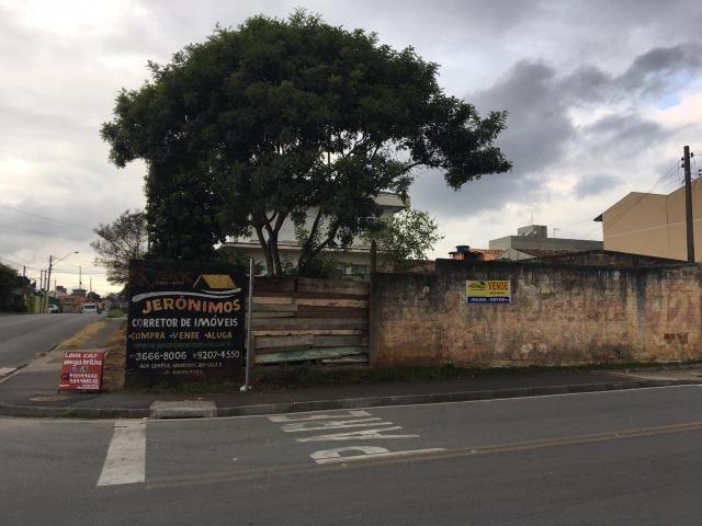 Vende-se terreno comercial de esquina em Colombo medindo aprox. 240m² - Foto 3