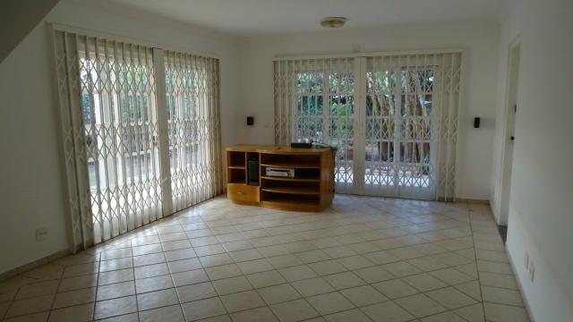 Alugo belíssima casa 4 dorm. condomínio Vila Nova Granja Viena - Foto 13