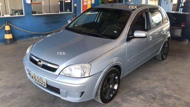 GM Corsa premium 1.4 completo menos ar condicionado