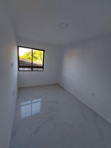 Apartamento nos BANCÁRIOS, com varanda, 2 quartos 1 suite, Próx.Colégio GEO  - Foto 9