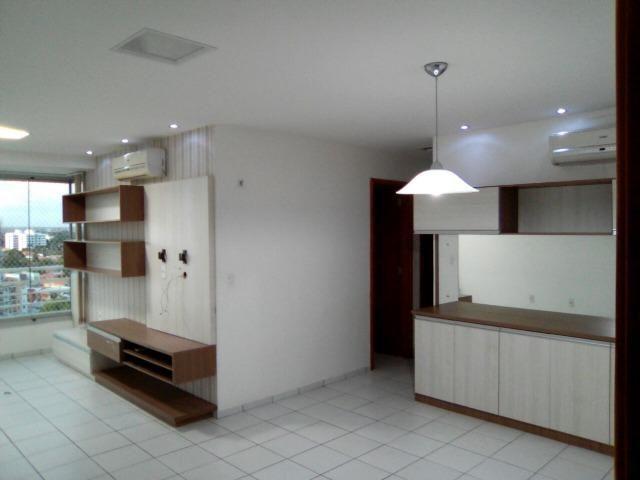 Apartamento no Edificio Galeria, na Ininga com três suites
