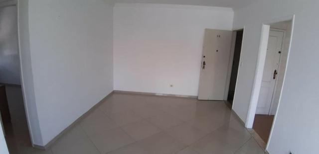 Aparecida - 2 dormitórios, sala 2 ambientes, área de serviço e garagem - Foto 6