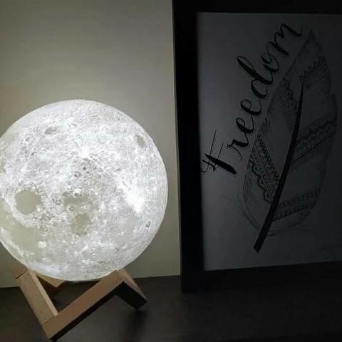 Mini Luminária Lua Cheia 3d 15 Cm Usb Colorida
