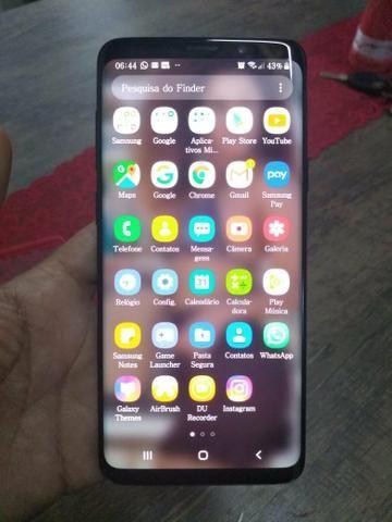 Vende-se ou troca S9 Plus black semi novo com 7 meses de uso