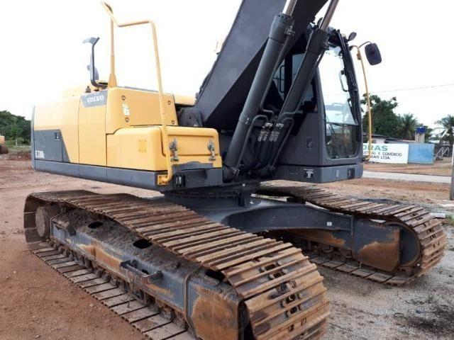 Escavadeira volvo EC 220bDL - Foto 3