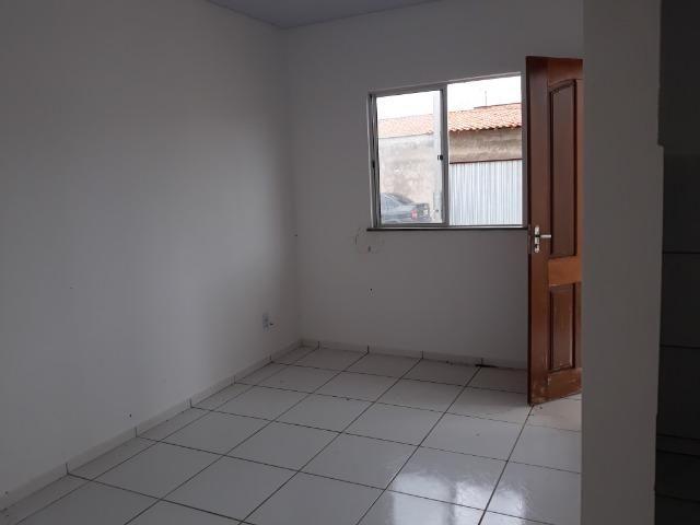 Aluga-se casa 2 quartos no portal do paço estrada de ribamar - Foto 2