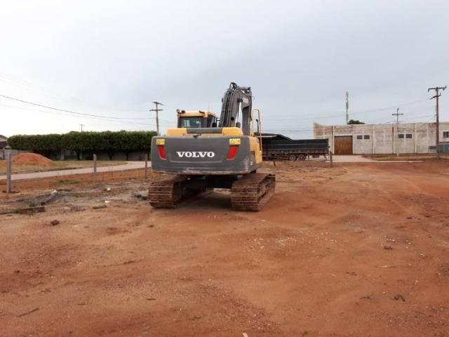 Escavadeira volvo EC 220bDL