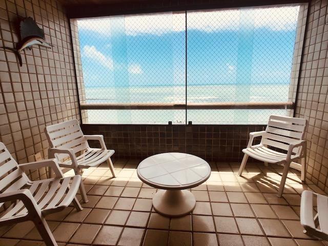 Apartamento Beira-mar 4 quartos, 2 suítes e 3 vagas, super conservado - Foto 2