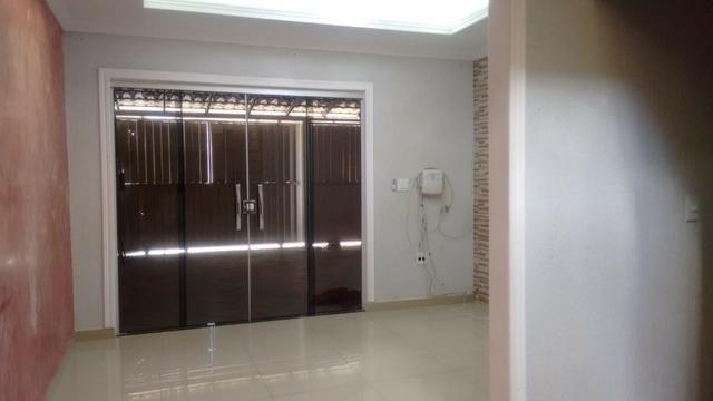Casa a venda em Samambaia 4 quartos porcelanato reformada desocupada aceita financiamento - Foto 14
