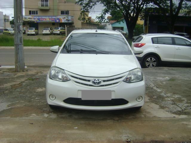 Toyota Etios 1.3 x 2014/2014 3519-1102 Simone - Foto 2