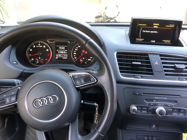 Audi Q3 - 2013 - atraction - branca - Foto 4