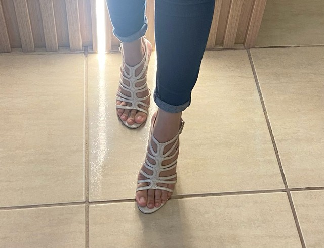 Sandália branca Zoolo