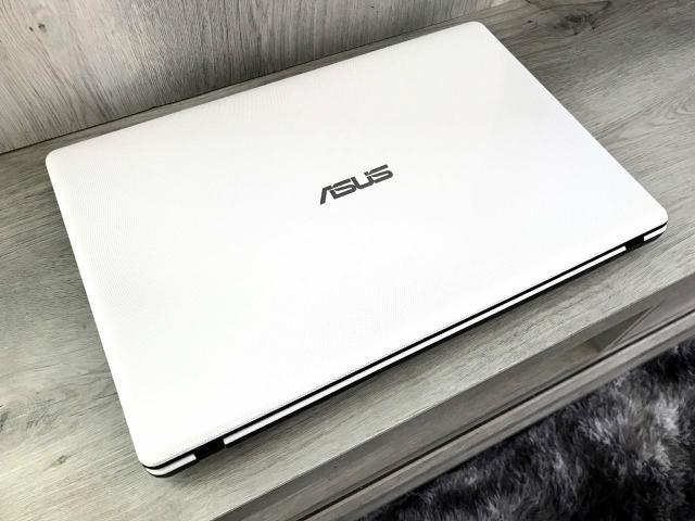 Notebook Asus i3 / 4gb / 500gb / tela 15,6? HD / 2gb de vídeo - IMPECÁVEL