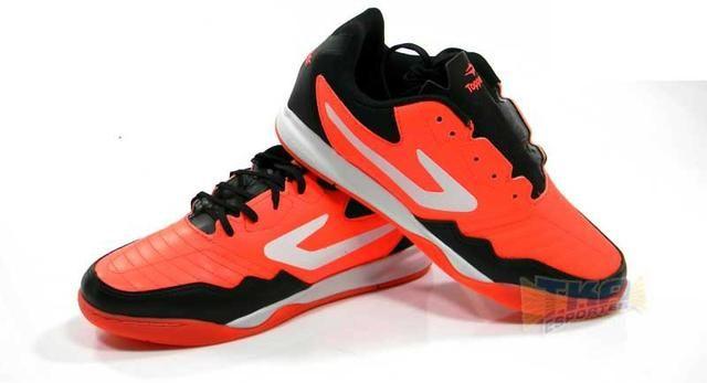 61e67428ecb Tenis Futsal Topper Dominator TD Coral tamanho adulto - Esportes e ...